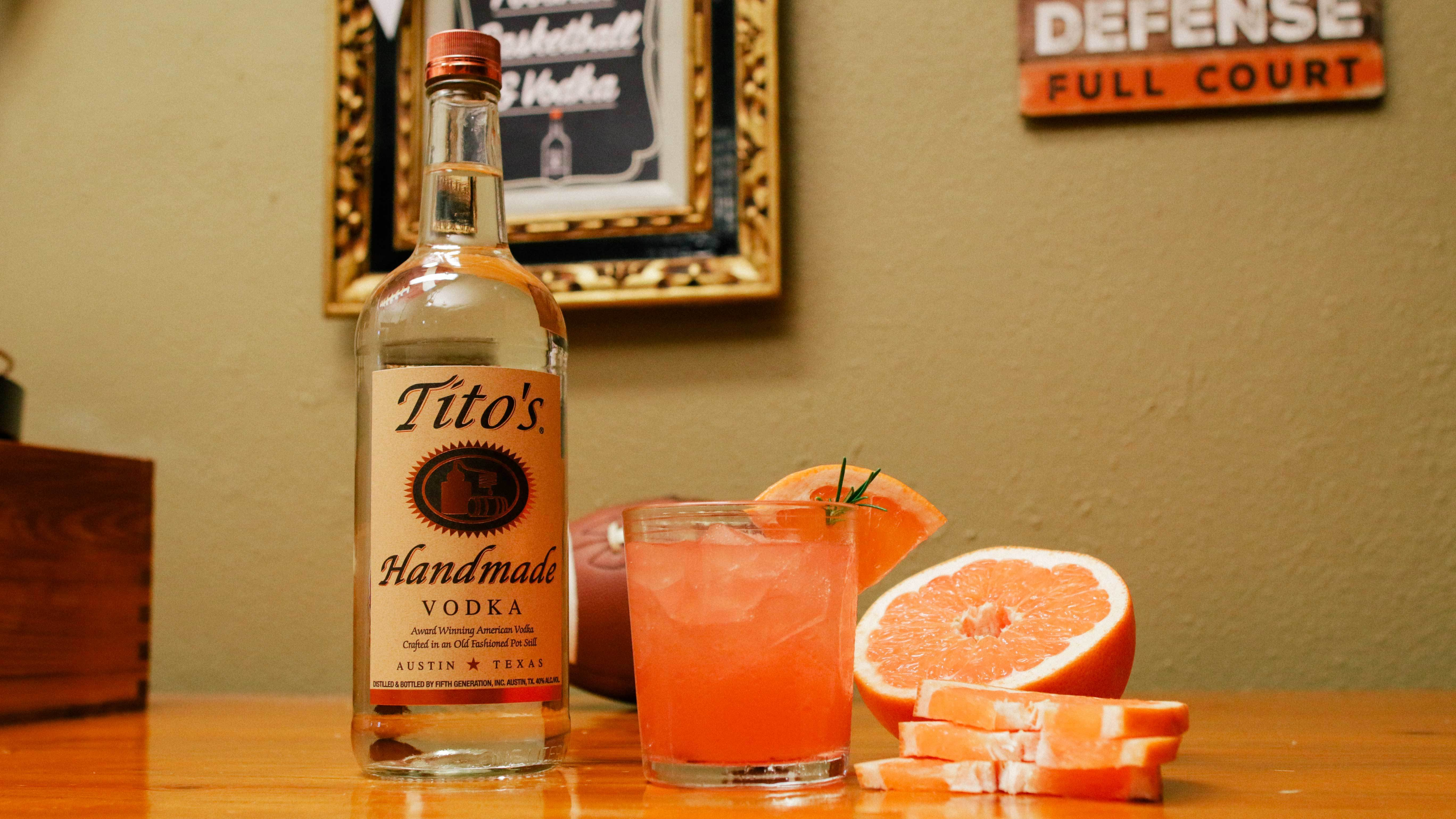 Tito's Greyhound in a rocks glass garnished with a slice of grapefruit